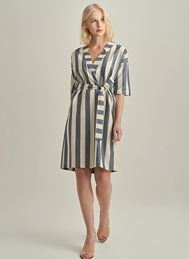 NGSTYLE V Yakalı Çizgili Elbise Lacivert